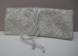 Sieradentasje Zilver, zijde geborduurd  per stuk