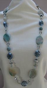 Ketting natuursteen met kristal lichtblauw  per stuk